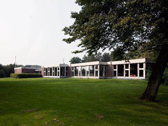 Lagere Scholen Nagele / Primary Schools Nagele ( A.E. van Eyck, H.P.D. van Ginkel )