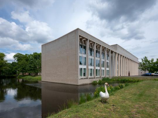 Kantoorgebouw Waterschap Brabantse Delta  / Office Building Waterschap Brabantse Delta  ( Claus en Kaan  )