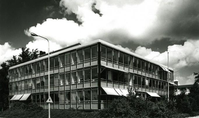Kantoorgebouw Domeinen / Office Building Domeinen ( S.J. van Embden )