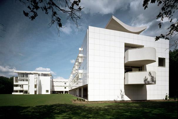 Hoofdkantoor KNP / Headquarters KNP ( R.A. Meier )