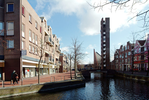 Centrum Almere-Haven / Housing, Urban Design Almere-Haven ( Apon, Van den Berg, Ter Braak, Tromp )
