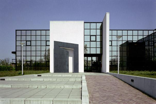 Gemeentehuis Tietjerksteradeel / Municipal Hall Tietjerksteradeel ( A. Bonnema )