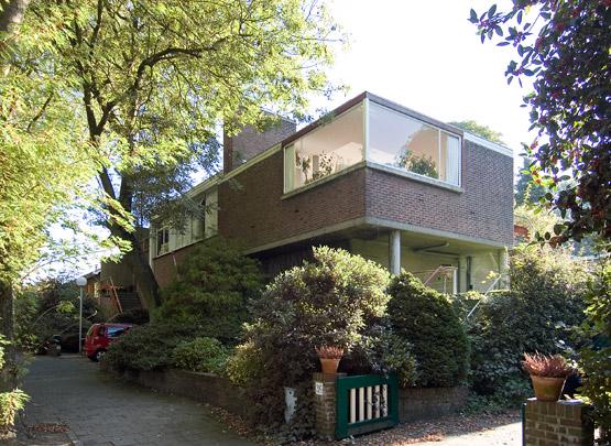 Woonhuis Van Kampen op bunker / Private House ( R. Romke de Vries )