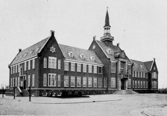 Raadhuis Alphen aan den Rijn / Town Hall Alphen aan den Rijn ( C.J. Blaauw )