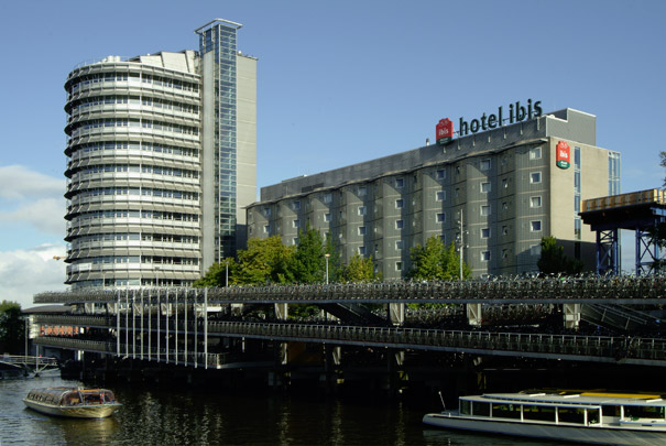 Kantoorgebouw Wagon-Lits, Ibishotel / Office Building Wagon-Lits, Ibis Hotel ( Benthem Crouwel )