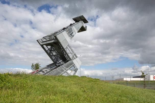 Uitkijktoren De Bliksemschicht  / Observation Tower De Bliksemschicht  ( M. Kuipers )