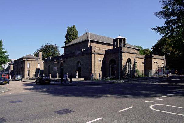RK kerk Sint Catharine Amsterdam met schoolcomplex / Roman Catholic Church Amsterdam (Sint Catharine) ( Evers & Sarlemijn )