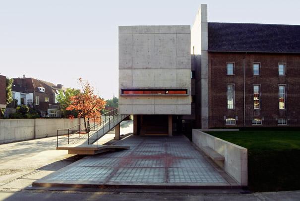 Kantoorgebouw AZL / Office Building AZL ( W.M.J. Arets )