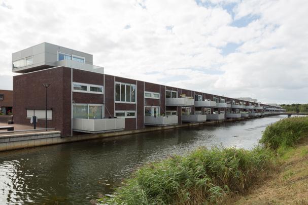 Woningbouw Kroeteneiland   / Housing Kroeteneiland ( P. de Ruiter  )