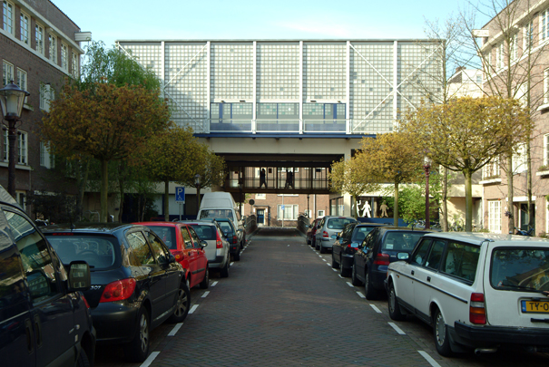 Wijkcentrum Transvaal / District Centre Transvaal ( P.B. de Bruijn, R. Snikkenburg )