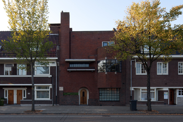 Eigen woonhuis Elte / Own House Elte ( H. Elte  Phzn. )