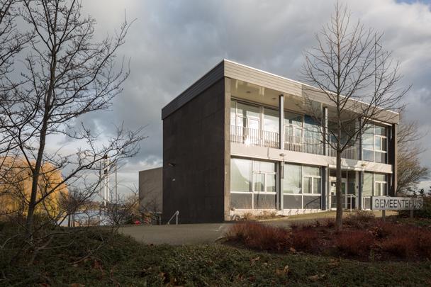 Gemeentehuis Heerjansdam / Town Hall Heerjansdam ( J. & L. de Jonge )