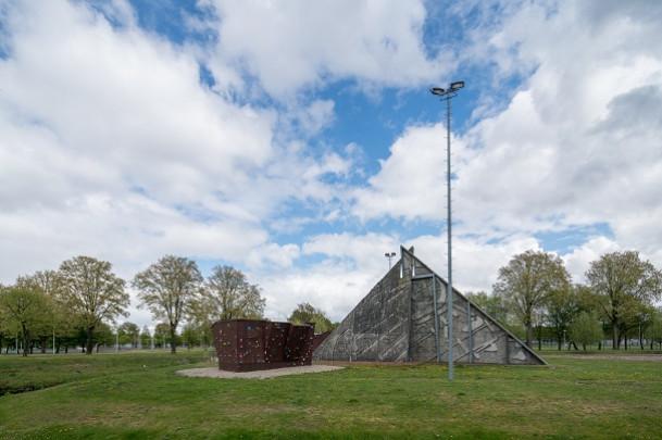 Klimwand Sportpark Ookmeer / Klimwand Sportpark Ookmeer ( B.P.M. Payens )