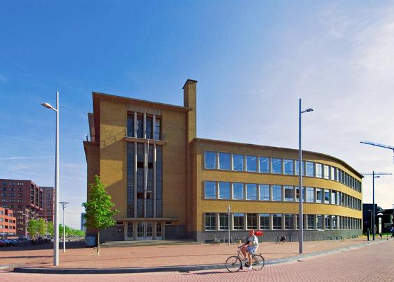 Kantoorgebouw en Pakhuis Blaauwhoedenveem / Office Building and Warehouse Blaauwhoedenveem ( Ph.P. Kanters )