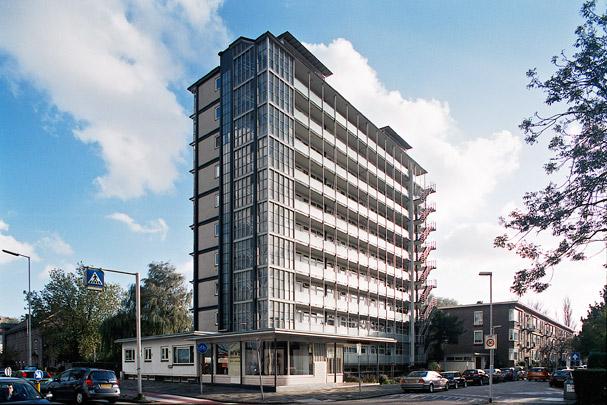 Woongebouw Kralingen / Housing Block Kralingen ( W. van Tijen, H.A. Maaskant )