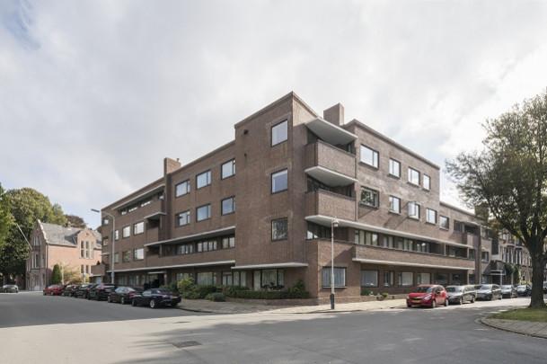Woongebouw Jozef Israëlsplein / Housing Block Jozef Israëlsplein ( J. Wils, F.L.J. Lourijsen )
