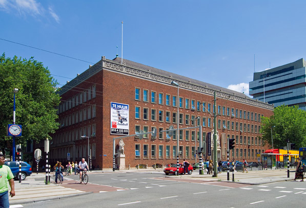 Kantoorgebouw Nationale Levensverzekerings-Bank / Office Building Life Insurance Company ( A.A. van Nieuwenhuyzen, C. Elffers )