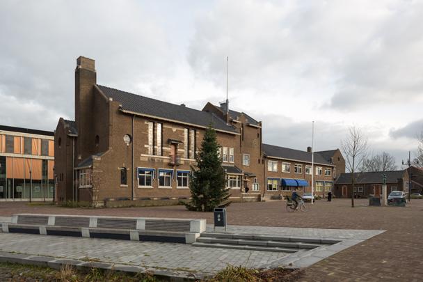 Raadhuis Zwijndrecht / City Hall Zwijndrecht ( Granpré Molière Verhagen Kok )