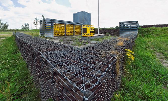 Observatorium Nieuw-Terbregge / Observatory Nieuw-Terbregge ( G. Camp, A. Dekker, R. Reutelingsperger (Observatorium) )