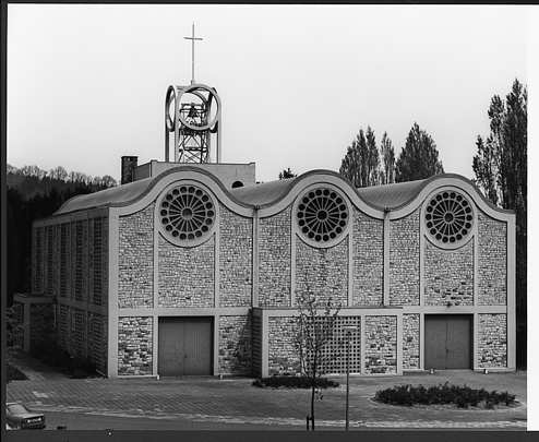 RK kerk Sint Joseph Vaals / Roman Catholic Church Vaals ( J.H.A. Huysmans )