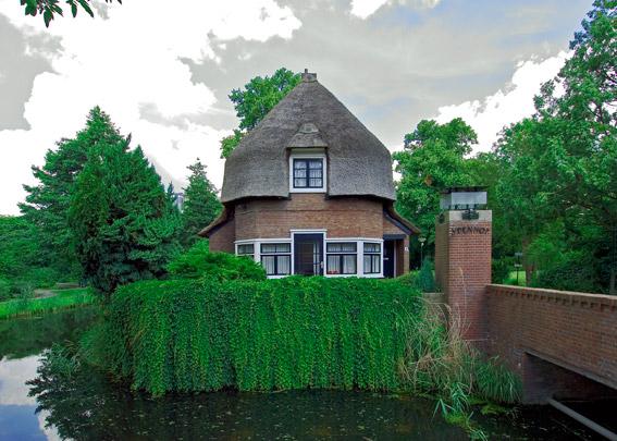 Portierswoning Ypenhof / Porter's Lodge ( W. Kromhout Czn. )