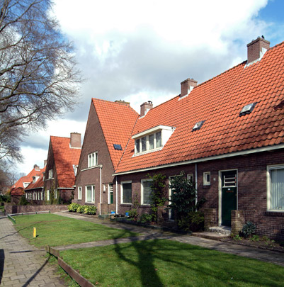 1e, 2e, 5e, 7e Gemeentelijke Woningbouw / Municipal Housing ( W.M. Dudok )
