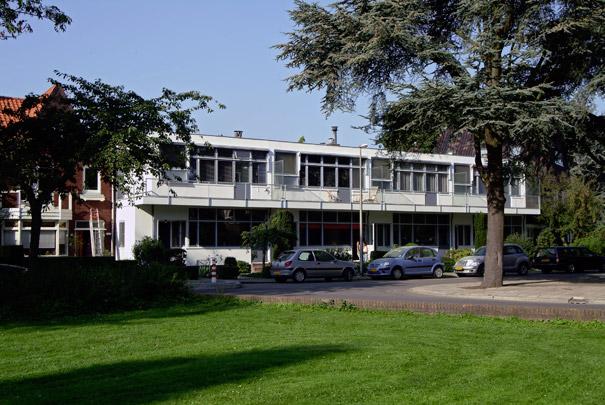 Woningbouw Robert Schumannstraat  / Housing Robert Schumannstraat  ( G.Th. Rietveld )