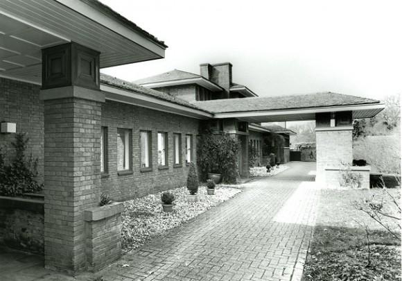 Woonhuis De Eerder Es / Private House De Eerder Es ( H. Sangster )