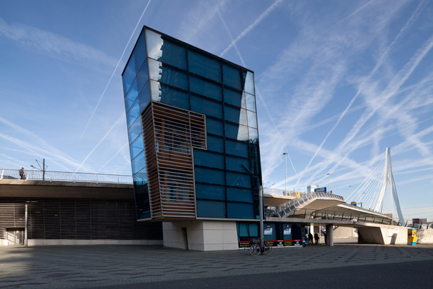 Spido Paviljoen / Spido Ticket Office ( UN Studio )