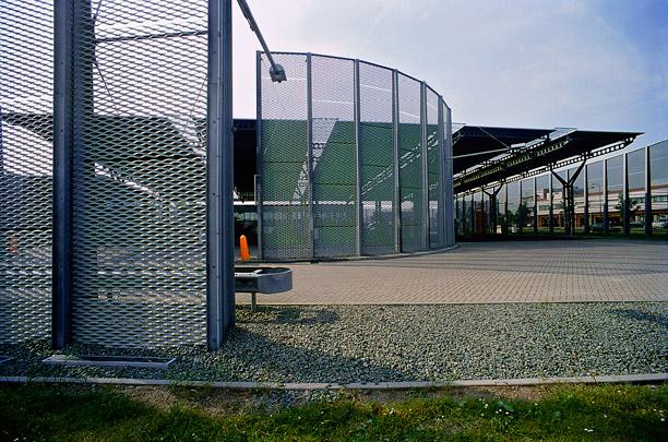 Benzinestation Houten / Petrol Service Station Houten ( Ph. Samyn )
