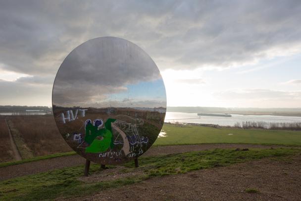 Hill Mirror / Hill Mirror ( A. van der Mark (Bureau DRFTWD) )