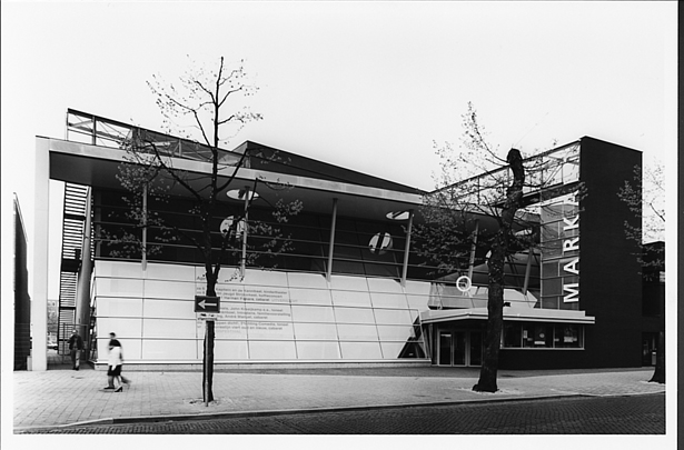 Theater Markant / Theatre Markant ( H. Hertzberger )