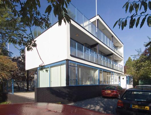 Woonhuis Boevé / Private House Boevé ( Brinkman & Van der Vlugt )