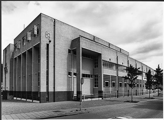 Bibliotheek Apeldoorn / Library Apeldoorn ( H.J.M. Ruijssenaars (LRR) )