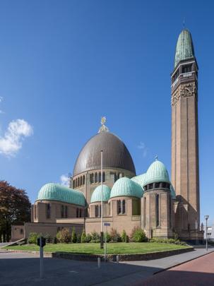 RK kerk Sint Jan de Doper Waalwijk / Roman Catholic Church Waalwijk ( H.W. Valk )