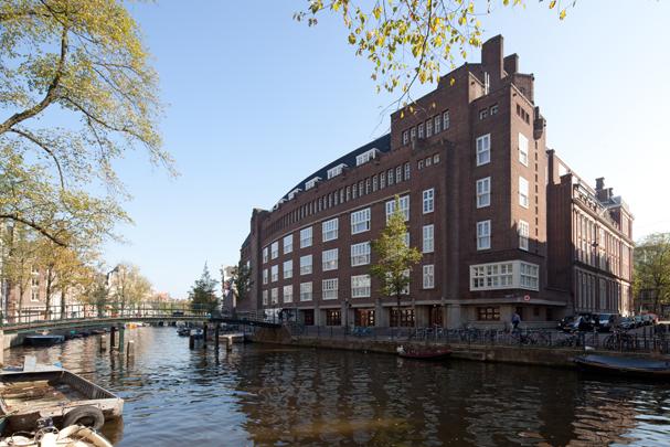 Uitbreiding Stadhuis Amsterdam / Extension to Town Hall Amsterdam ( N. Lansdorp, A.R. Hulshoff )