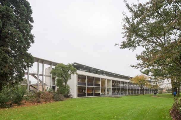 Botanisch Laboratorium Landbouwuniversiteit / Botanical Centre Agricultural University ( Mecanoo )
