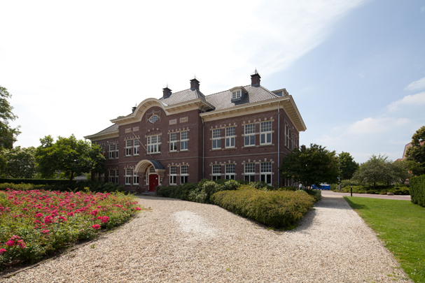 University College / University College ( A. Zaaijer, K.J. van Velsen, Sluijmer en Van Leeuwen ) 