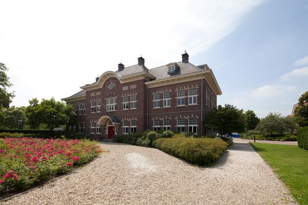 University College Utrecht / University College Utrecht ( A. Zaaijer, K.J. van Velsen, Sluijmer en Van Leeuwen )
