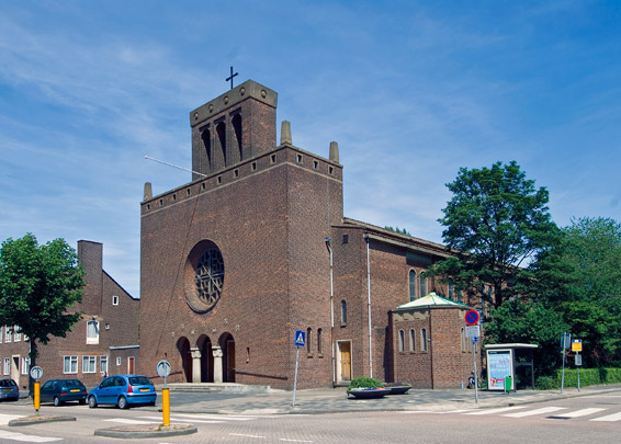 RK Sint Nicolaaskerk Rotterdam / Roman Catholic St. Nicolas Church Rotterdam ( J.P.L. Hendriks, W. van der Sluys, L.A. van den Bosch ) 