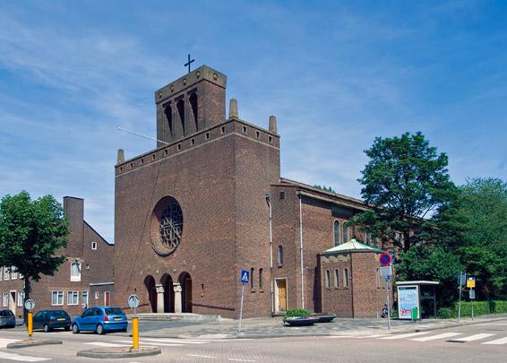 RK kerk O.L.V. van Altijddurende Bijstand Rotterdam / Roman Catholic Church Rotterdam (O.L.V. van Altijddurende Bijstand) ( J.P.L. Hendriks, W. van der Sluijs, L.A. van den Bosch )