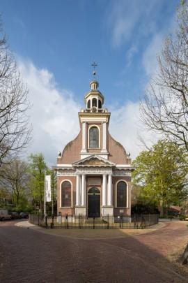 RK kerk Sint Petrus' Banden Driebergen-Rijsenburg / Roman Catholic Church Driebergen-Rijsenburg ( A. Tollus )