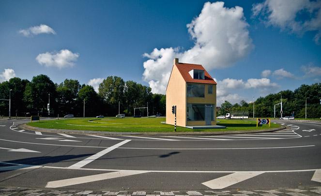 Draaiend Huis / Rotating House ( J. Körmeling )