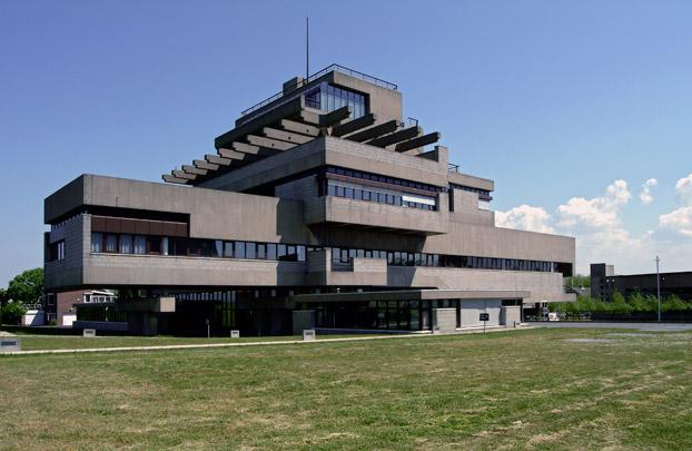 Raadhuis Terneuzen / Town Hall Terneuzen ( Van den Broek & Bakema )