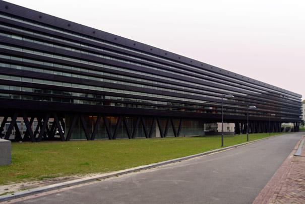 Stadskantoor Breda / Municipal Office Breda ( Claus en Kaan )