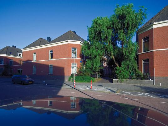 Rug-aan-rugwoningen Stampioendwarsstraat / Back-to-Back Housing Stampioendwarsstraat ( J.A. Voorhoeve )