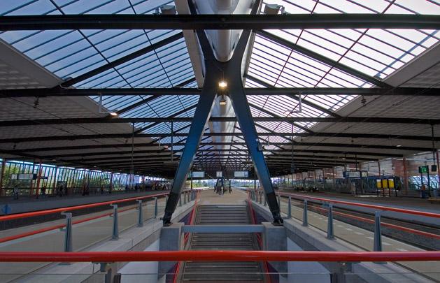 Station Schiedam-Centrum / Station Schiedam-Centrum ( K. van der Gaast, J.H. Baas )