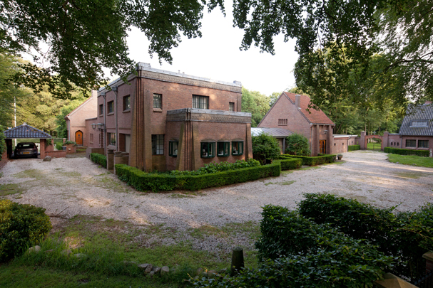 Woonhuis Middlesex / Private House ( J. London )
