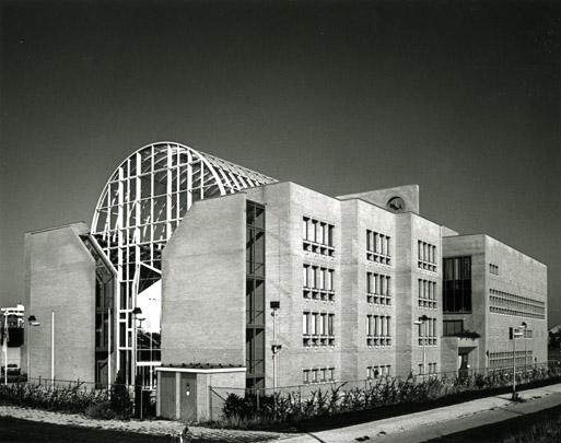 Kantoorgebouw en Laboratorium Eurocetus / Offices and Laboratory Eurocetus ( D. Benini )