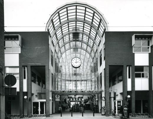 Centrumpassage Almere-Stad / Town-centre Arcade Almere-Stad ( K. Rijnboutt (LRR) )